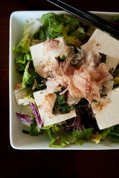 Recipe: Healthy Tofu Salad with Wakame Seaweed and Katsuobushi Shaved Bonito|豆腐サラダ