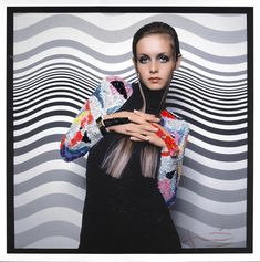 Bert Stern, Twiggy in front of a Bridget Riley painting, VOGUE, 1967 courtesy of Bert Stern and Staley-Wise Gallery.