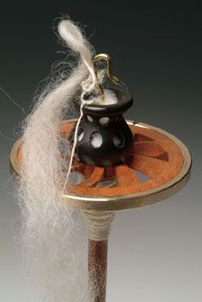 Golding Fiber Tools - Aromatherapy RingSpindles™ My next spindle will have this!!!!!!!