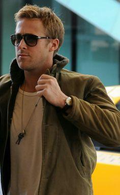 Ryan Gosling Haircut, Ryan Gosling Movies, Ryan Gosling Style, Beautiful Boys, Beautiful People, Ryan Thomas, Hot Actors, Ryan Reynolds, Denim Jeans Men