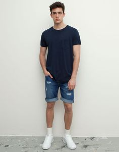DENIM BERMUDA SHORTS WITH RIPS                                - MEDIUM BLUE