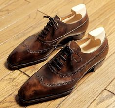 Luxury Lifestyle, architecture Voyage Air et plus Mens Suede Dress Shoes, Leather Shoes, Formal Shoes, Casual Shoes, Men's Shoes, Shoe Boots, Gentleman Shoes, Stylish Mens Outfits, Derby