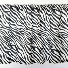 Sin in Linen Zebra Stripe Curtain Valance, 35 by 19-Inch by Sin in Linen. $22.00. 35 by 19-inch. 100% Cotton. 100-Percent Cotton, 210 Thread Count. Machine washable. Includes 1 panel. Rod pocket hanging. Black and white zebra printed on 100-percent cotton valance.