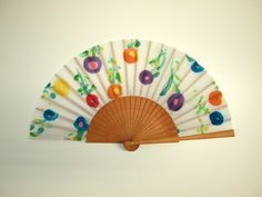 Hand fan Handpainted Silk- Abanico-Wedding gift-Giveaways-Bridesmaids- Spanish hand fan - Flowers Hand Fan 17 x 9 inches cm x 23 cm) de gilbea en Etsy Painted Fan, Hand Painted, Hand Held Fan, Hand Fans, Fan Decoration, Watercolor Bookmarks, Craft Club, Mothers Day Crafts, Japanese Culture