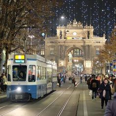 Luxury Train Travel in Europe - Enjoying the Perks Zurich, Places To Travel, Places To See, Places Around The World, Around The Worlds, Switzerland Vacation, Thun Switzerland, Berne, Old Steam Train