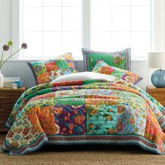 Handmade patchwork quilt rendered in painterly florals framed with a boldly striped border. Artisan crafted of pure cotton. The Company Store Bedding Shop, Quilt Bedding, Linen Bedding, Bed Linens, Custom Bedding, Bed Sets, Colchas Country, French Country, Outdoor Cushions And Pillows