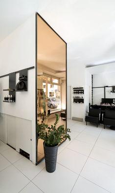 MADAME » SALON am MARKT Architects, Oversized Mirror, Furniture, Home Decor, Living Room, Decoration Home, Room Decor, Building Homes, Home Furnishings