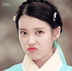 The perfect Iu Korea Cute Animated GIF for your conversation. Asian Actors, Korean Actresses, Iu Moon Lovers, Korean Girl, Asian Girl, Euna Kim, Scarlet Heart, Kdrama Actors, Iu Fashion