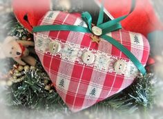 Prim Christmas Heart Ornament Heart Door Hanger Pillow, 5 inch, Primative Style, Cloth Handmade CharlotteStyle Decorative Folk Art by CharlotteStyle on Etsy https://www.etsy.com/listing/205078400/prim-christmas-heart-ornament-heart-door