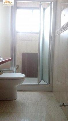 Piso en venta en Pº Zorrilla - Cuatro de Marzo en Valladolid por 130.000 € en Valladolid en WALLAPOP Bathtub, Bathroom, Bus Station, March, Floors, Yurts, Standing Bath, Washroom, Bath Tub