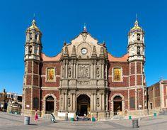 https://flic.kr/p/8TKpsB | Antigua Basilica de Guadalupe, Mexico | 3 tomas verticales, unidas de manera horizontal para lograr la union perfecta. Preciosa basilica de Nuestra Señora de Guadalupe.