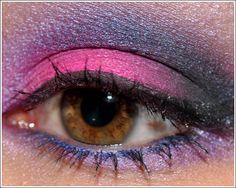 Dramatic Smoky Eyes in Hot, Fuchsia Pink