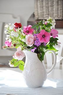 White Pitchers Amp Flowers On Pinterest Vintage Scales