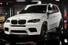 It is manufactured alongside the new, 2009 BMW X6 at BMWs Greer, South Carolina plant in the USA and BMWs facility in Toluca, Mexico. Description from imgarcade.com. I searched for this on bing.com/images
