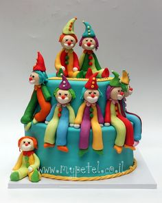 clown birthday cake Can you eat this ? Baby Cakes, Beautiful Cakes, Amazing Cakes, Clown Cake, Circus Cakes, Fashion Cakes, Occasion Cakes, Cakes For Boys, Cute Cakes