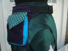 Bekijk dit items in mijn Etsy shop https://www.etsy.com/listing/293615037/purple-turqoise-hip-bag-cord-fabric-with