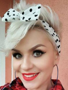 40 Pin Up Hairstyles for the Vintage-Loving Girl # Wispy Hairdo for Short Hair Pin up hairstyles can work for those with very short hair too. Rockabilly Short Hair, Mode Rockabilly, Rockabilly Fashion, Rockabilly Hairstyle, Hairdos For Short Hair, Very Short Hair, Short Hairstyles For Women, Short Hair Styles, Long Hair