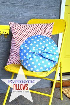 Easy Patriotic Pillows at Tatertots and Jello