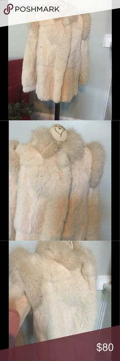 "Vintage 80's White Fur Coat/jacket Fox I thought this was a rabbit fur.But the tag says it is Fox(as per the org owner)It might be a fox/rabbit mix.Very nice condition/no rips or stains.Zipper front.Looks to be a sz med.Please check your measurements:Bust 42"",Length 29"" & sleeves from neck to wrist cuff is 30"" vintage fur Jackets & Coats"