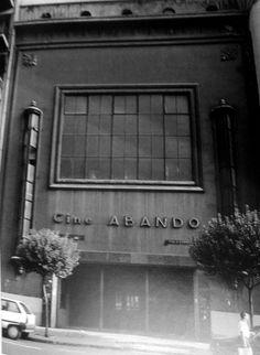 CINE ABANDO Estaba en la calle Autonomia num 58.Fue inaugurado en 1954. Bilbao, Basque Country, Neon Signs, Barbados, Athletic, Color, Antique Photos, Cities, Movies