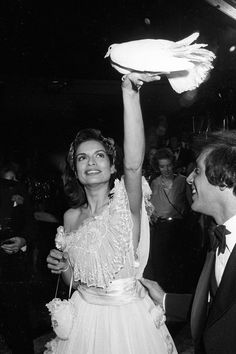 Studio 54 New York, 1977 Fashion, Bianca Jagger, Everyday Fashion, Candid, Style Icons, Flower Girl Dresses, Glamour, In This Moment