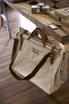 Inside OUT Beekman 1802 Canvas Bag. Someone buy me this. Canvas Leather, Leather Bag, Backpack Bags, Tote Bag, Fabric Bags, Big Bags, Chanel Handbags, Travel Bags, Fashion Bags