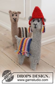 Alpaca Cousins / DROPS Children - Free crochet patterns by DROPS Design Alpaca Cousins - Crochet Alpaca or lama in DROPS Nepal. Free crochet pattern DROPS Children Always aspired to lear. Crochet Gratis, Crochet Patterns Amigurumi, Knitting Patterns Free, Crochet Toys, Free Knitting, Crochet Baby, Free Crochet, Drops Design, Alpacas