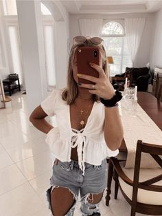 trending summer outfits you should wear now 18 ~ thereds. Cute Casual Outfits, Cute Summer Outfits, Spring Outfits, Stylish Outfits, Cute Birthday Outfits, Simple Outfits, Teenager Outfits, Girl Outfits, Fashion Outfits