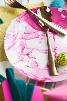 DIY Marbled Plates