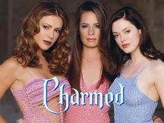 (TV Series Three sisters discover their destiny - to battle against the forces of evil, using their witchcraft. They are the Charmed Ones. Alyssa Milano as Phoebe, Holly Marie Combs as Piper, Rose McGowan as Paige Serie Charmed, Charmed Tv Show, Seinfeld, Movies Showing, Movies And Tv Shows, Shannen Doherty, Film Serie, Alyssa Milano, Celebs