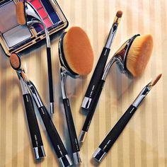 Artis Fluenta Brushes exclusively @neimanmarcus @bergdorfs #nmbeauty NM InCircle Dec 9,10,11