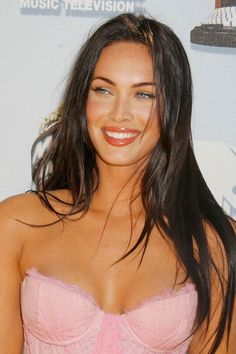 Megan Fox hair: Foxy locks - Haor and make up and great eyebrows and the glow - all super! #MeganFox