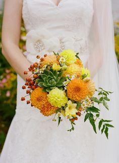 farm wedding! Photography: Krystal Muellenberg Photography - www.krystalmuellenberg.com/  Read More: http://www.stylemepretty.com/2014/07/14/diy-farm-wedding-2/
