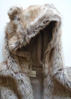 Kup mój przedmiot na #vintedpl http://www.vinted.pl/damska-odziez/okrycia-wierzchnie-inne/17585598-puchowa-kamizelka-z-uszami-kamizelka-mis-house