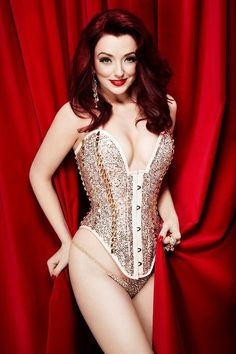 The beautiful Miss Polly Rae (not sure who made the corset, BUT I LURVE IT!)