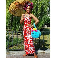 Lamarr Does Lilo... Photo Cred: @jayartco Dress: Vintage Personal Collection Headresss: Created by Me Necklace: @xobetseyjohnson Bag: Personal Collection and Reimagined by Me..   #lilo #stitchday#tropical #fashion #style #vintage #selfie  #vintagefashion #style #makeup #beauty #classy #glamour #sunshine #umbrella #stylefiles #disneystyle #disneyland #classic  #flowercrown #disneybound #disney #liloandstitch #scrump #dollface #hawaiian #tiki #blackgirl...