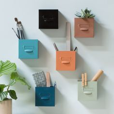 Like Anna, you can use colourful metal boxes to store artist materials and plants on your walls. Wall-mounted metal boxes, price per item DKK 26,60 / EUR 3,73 / ISK 744 / NOK 38,90 / GBP 3,27 / SEK 36,60