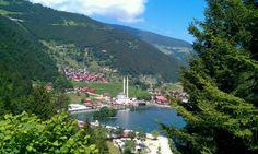 Uzungöl şu şehirde: Çaykara, Trabzon
