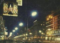 Aleje Jerozolimskie nocą -pocztówka z początku lat 60 -tych. https://www.facebook.com/555026481195475/photos/a.556586694372787.1073741830.555026481195475/1034157483282370/?type=3