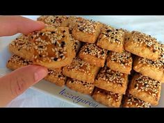 Middle Eastern Desserts, Food Snapchat, Food Platters, Arabic Food, Banana Bread, French Toast, Food And Drink, Cookies, Baking