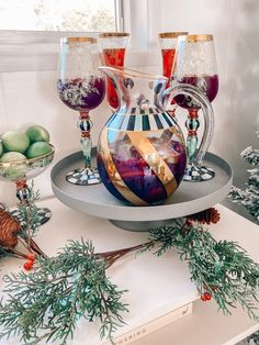 Click to see two holiday cocktail recipes on Maxie Elise Blog! Best holiday cocktail recipes Thanksgiving and holiday cocktail recipes Christmas. This is a delicious POMEGRANATE FRENCH 75 recipe too! Best thanksgiving drinks alcohol holiday cocktails. Yummy holiday cocktails for a crowd thanksgiving. Make a cheese board or charcuterie board for your wine and cheese party ideas on the side. Good cocktail recipes with red wine such as holiday sangria recipes. #holiday #Christmas #cocktails
