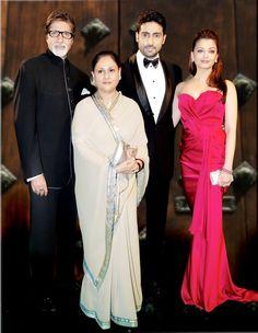 Aishwarya Rai with family at IIFA Actress Aishwarya Rai, Aishwarya Rai Bachchan, Bollywood Actress, Amitabh Bachchan, Bollywood Stars, Bollywood Fashion, Indian Celebrities, Bollywood Celebrities, Bachchan Family