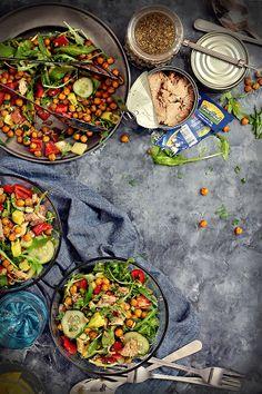 Tuna and Arugula Salad with Spicy Chickpeas