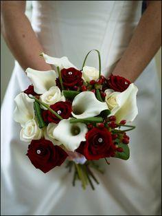 Washington DC Wedding Blog ~ Winter Wedding Design Inspiration | Capitol Romance ~ Offbeat DC Weddings & DIY Resources #Whiteflash #Verragio #Holidaywedding