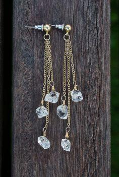 Lange Ohrringe in Herkimer / / Diamant Herkimer / / Gold Herkimer Bolzen / / Quarz Raw Ohrringe / / Trend Geschenk / / Raw Schmuck / / Ohrringe / / Geschenk für sie