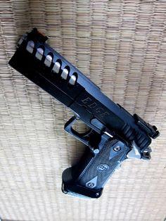 Edge, guns, weapons, pistol, self defense, protection, 2nd amendment, America, firearms, munitions #guns #weapons