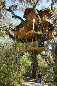 how to build a treehouse to live in