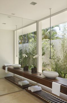 Residência Park Palace – Barra da Tijuca II / Progetto – Gisele Taranto e Izabela Lessa #bathroom #green