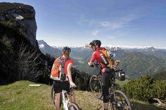Mountainbiken & Radfahren im PillerseeTal in Tirol Die für Outdoorsport prädestinierte Region genießt zurecht den Ruf eines Geheimtipps für Pedalritter. Die Palette des Tourenangebots reicht von gemütlichen Ausflügen auf schattigen Wegen bis hin zum anspruchsvollen Gipfeltrip. Über 800 Kilometer Rad- und Mountainbike-Routen durchqueren das PillerseeTal und die Umgebung.