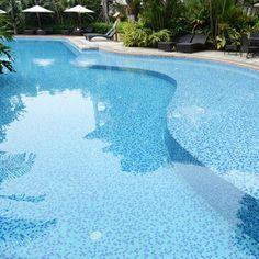 35 Stunning Backyard Pools | InteriorCharm